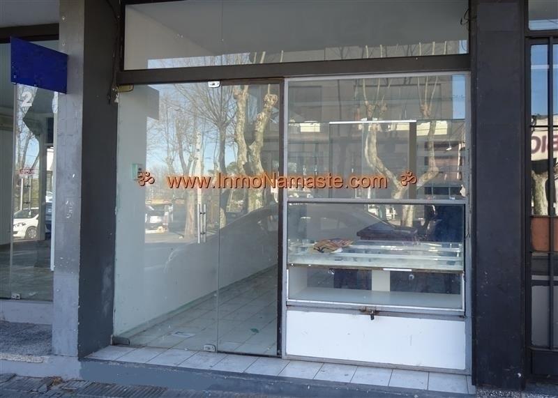 ALQUILER - Local Comercial en Pleno Centro de Colonia en Colonia del Sacramento  | Inmobiliaria Namasté | Colonia, Uruguay
