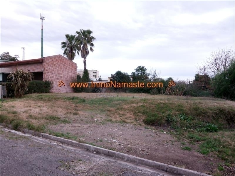 VENTA - Hermoso Terreno en Zona Residencial Cerca de la Rambla en Colonia del Sacramento  | Inmobiliaria Namasté | Colonia, Uruguay